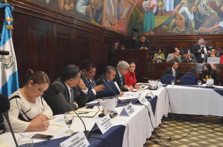 Solo 9 de los 37 diputados de FCN estuvieron en la reunión. (Foto: cortesía de José Castro)