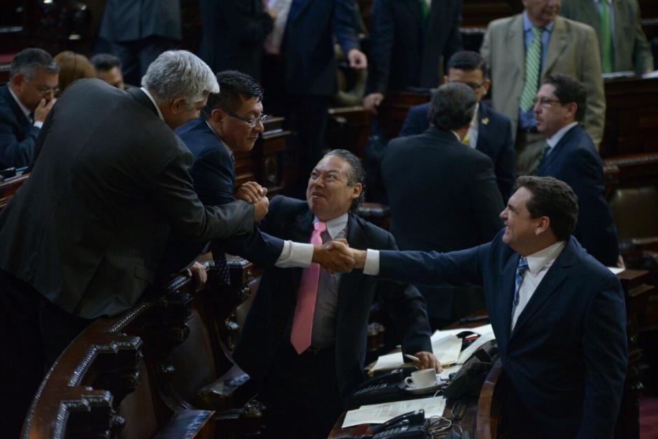 Varios diputados de FCN y bancada aliadas abandonaron el hemiciclo para evitar que se conocieran las reformas constitucionales. (Foto: Wilder López/Soy502)