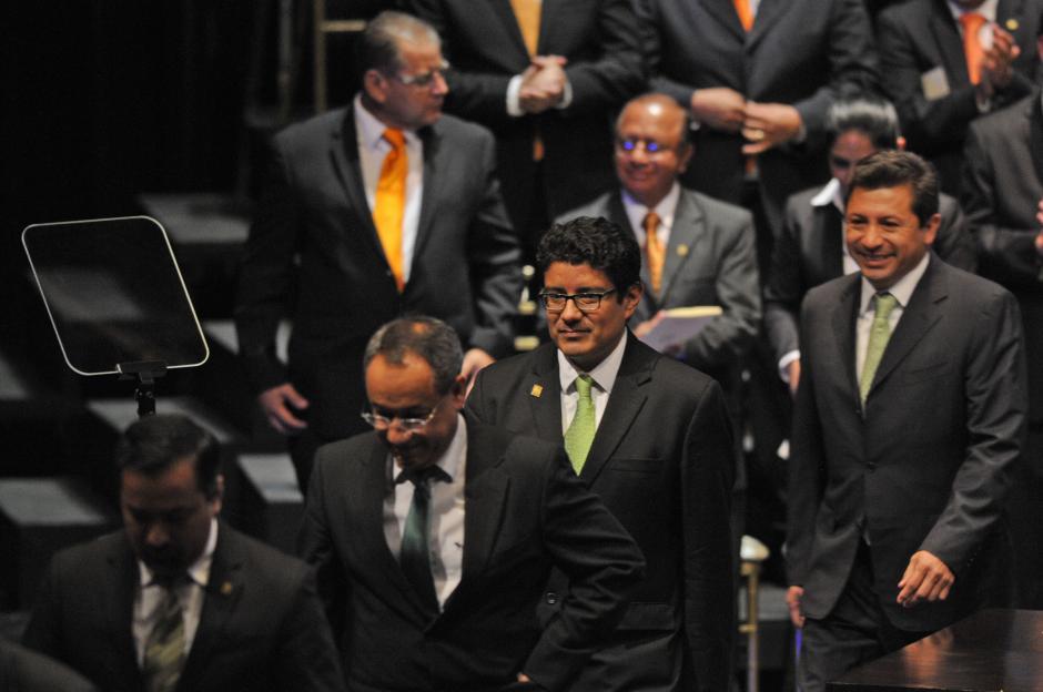 Cuando el presidente Otto Pérez Molina empezó su discurso, los diputados de la UNE se retiraron del escenario de la Gran Sala Efraín Recinos. (Esteban Biba/Soy502)
