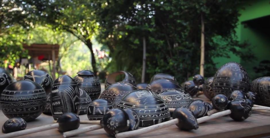 Chinchines, platos y alcancías se hacen del Morro. (Foto: captura de pantalla)