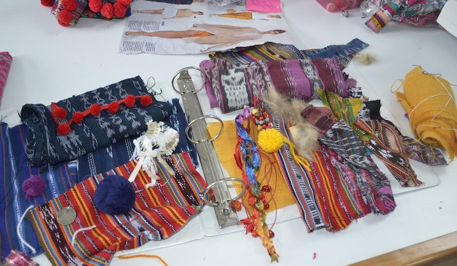 Isabella se inspira en los textiles nacionales para sus diseños. (Foto: Selene Mejía/Soy502)