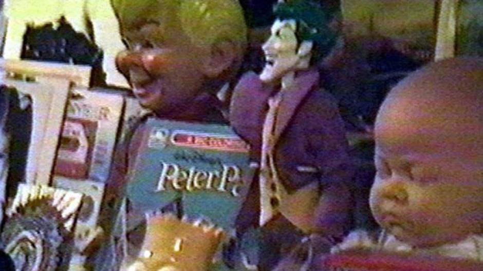 Bart Simpson, El Guasón y cuentos de Peter Pan, eran algunas de las pertenencias de Jackson. (Foto: Infobae)