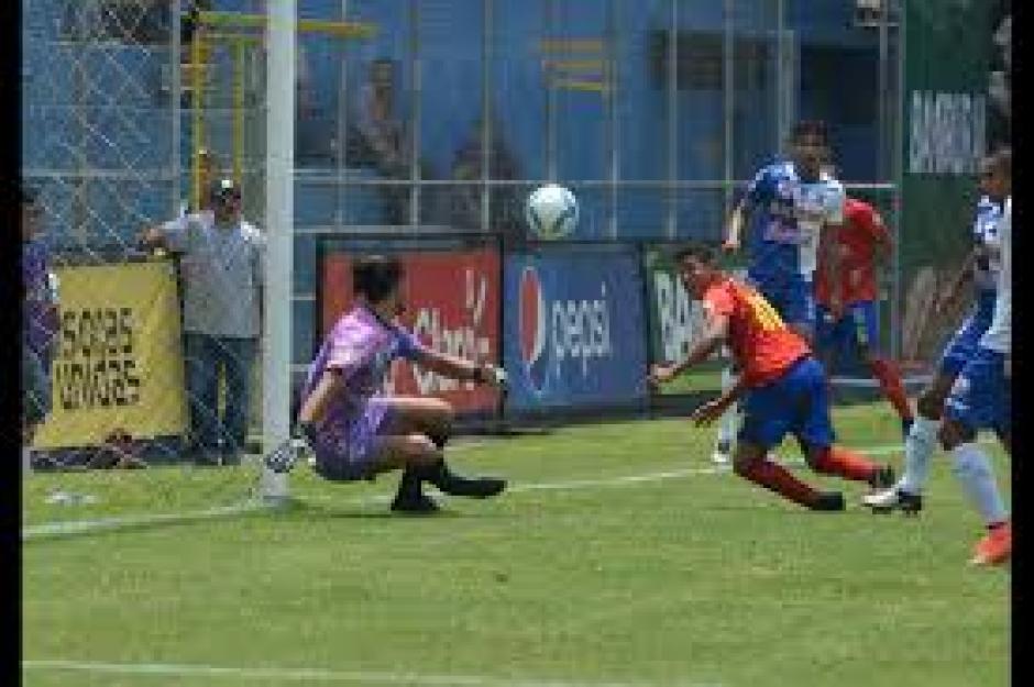 Pedro Altán anotó un gol de antología ante Suchitepéquez. (Foto: Nuestro Diario)