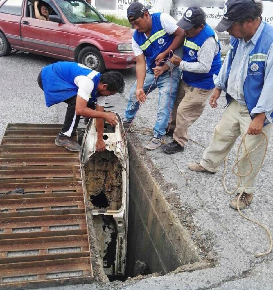 El artefacto fue localizado por una cuadrilla de limpieza. (Foto: Municipalidad de Villa Nueva)