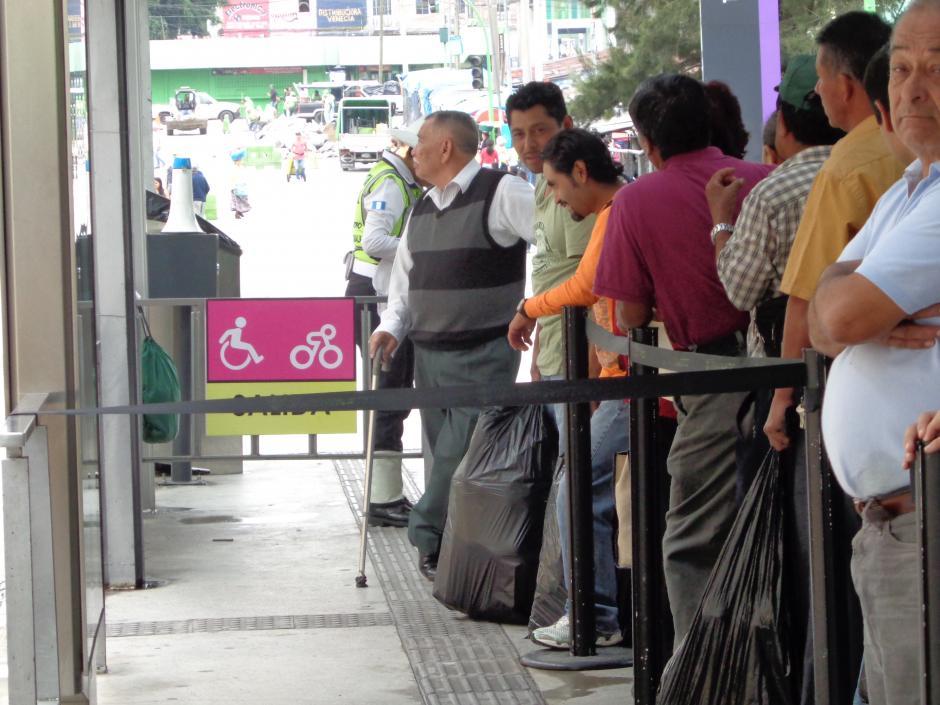 La estación está identificada para que los ciclistas sepan en dónde ubicarse. (Foto: Gustavo Méndez/Soy502)