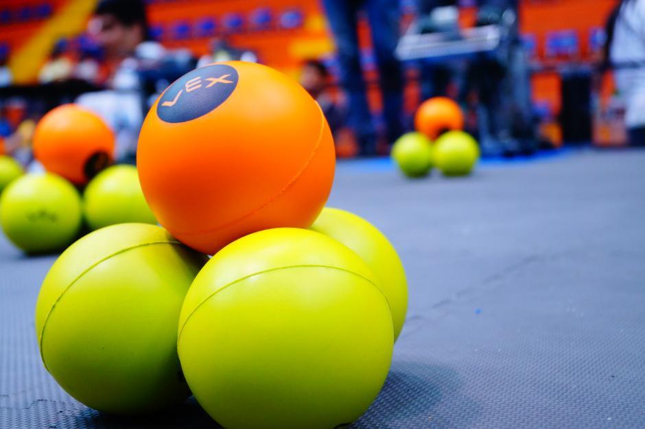 Las pelotas de anotación que forman parte del concurso de robótica.(Foto cortesía Cetach No.2)