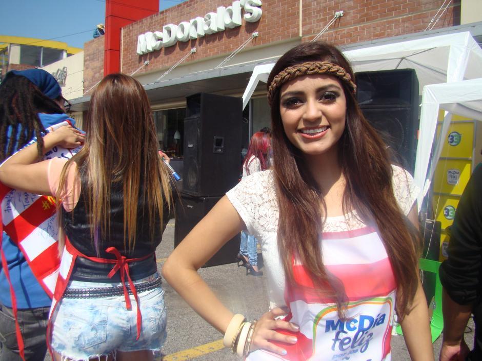 Los artistas también apoyaron la causa, como la cantante guatemalteca Ania Espósito. (Foto: Magui Medina/Soy502)