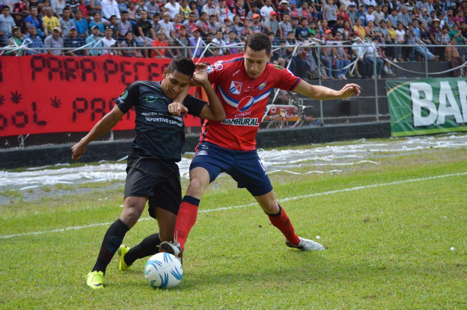 Xela no pasó del empate ante Carchá y se quedó sin el liderato. (Foto: Nuestro Diario)