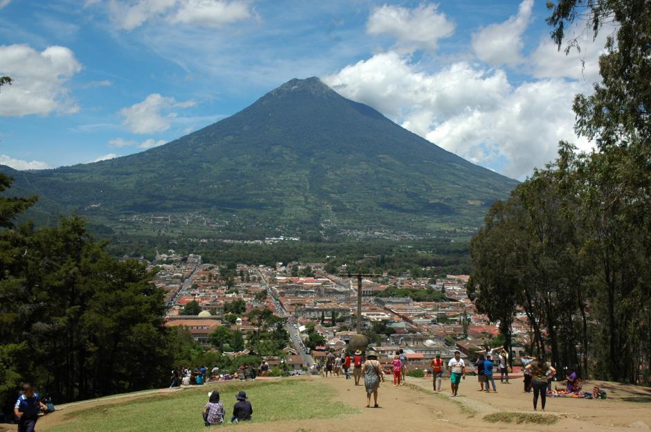 Existen muchas opiniones encontradas ante el tema de los carruajes en Antigua Guatemala. (Foto: Fredy Hernández/Soy502)
