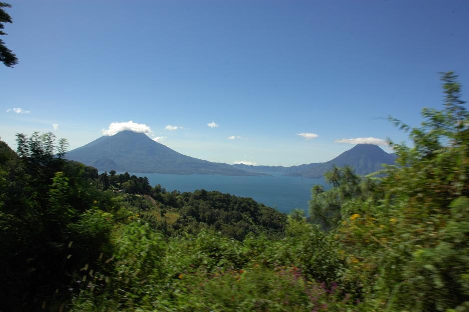 Al bajar por la ruta que comunica de Sololá a Panajachel, los visitantes, especialmente los primeros exclaman frases como¡es maravilloso! Y ¡me enamoré!(Foto: Fredy Hernández/Soy502)