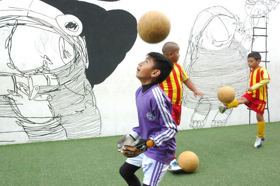 Los niños practican constantemente para no perder el ritmo que tienen desde hace dos años. (Foto: Fredy Hernández/Soy502)