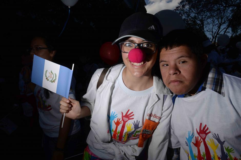 En la caminata destacaron los valores de unión familiar y paz. (Foto: Jésus Alfonso/Soy502)