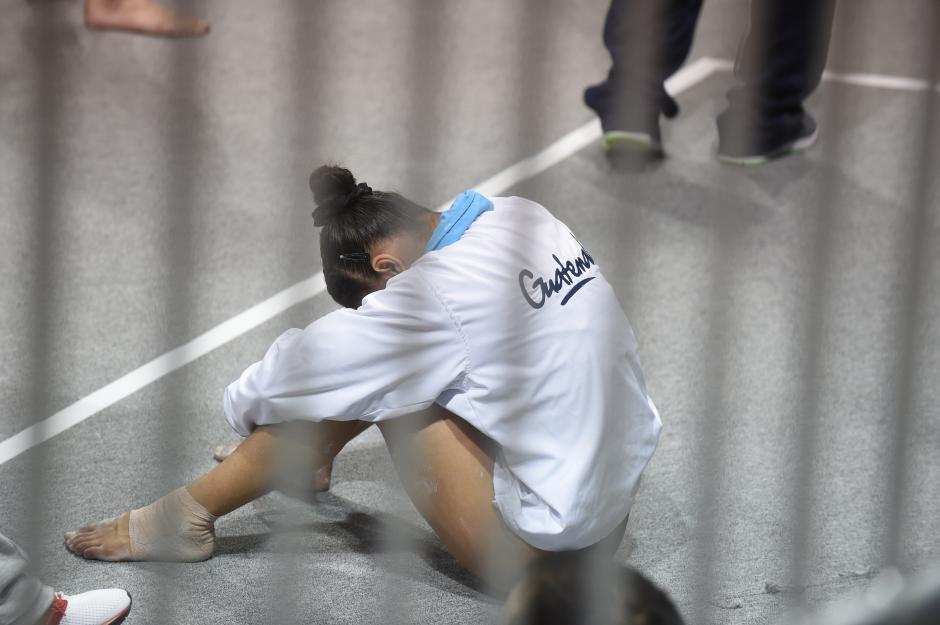 No fue el mejor día para Ana Sofía Gómez, quien tras una caída vio empeñado su resultado. (Foto: Álvaro Yool/Soy 502)