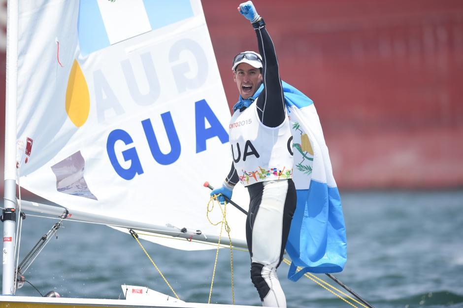 La celebración de Juan Ignacio Maegli, tras conquistar la cuarta medalla de oro en los Juegos para Guatemala. (Foto: Álvaro Yool/ Nuestro Diario)