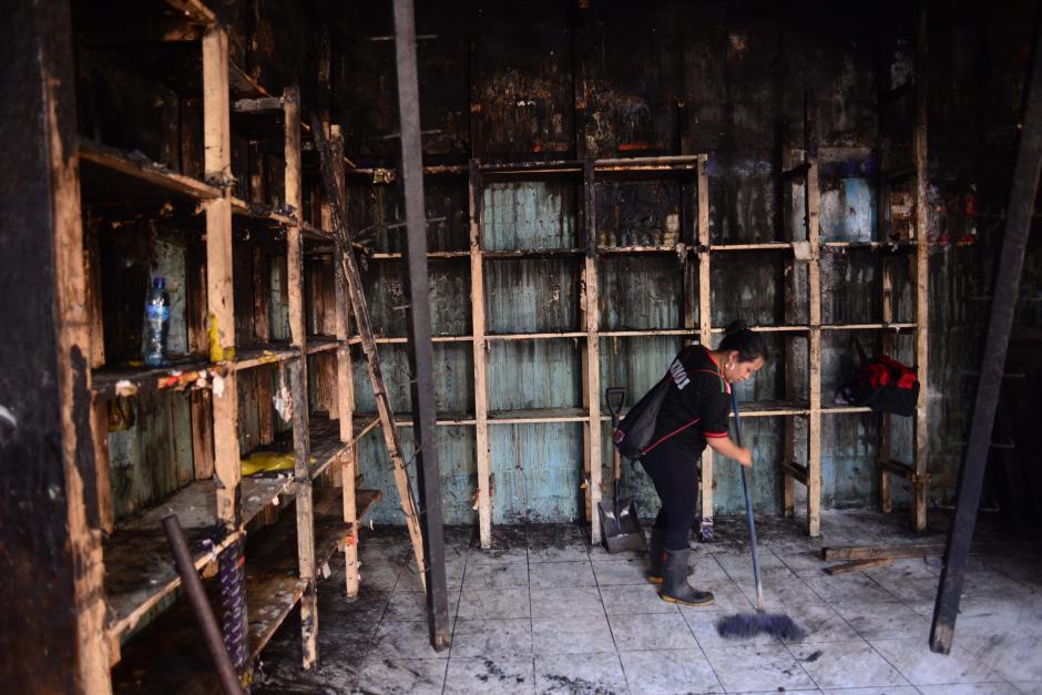 Nuevo comienzo el que esperan tener los comerciantes del Mercado de la Terminal de la Zona 4 luego del incendio que destruyó sus negocios. (Foto: Jesús Alfonso/Soy502)