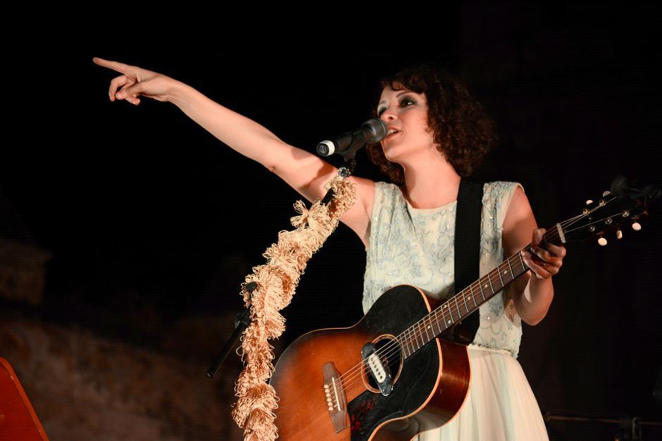 El público se rindió a los pies de Gaby Moreno, en un concierto en el cual ofrecía a sus fans el Grammy Latino.(Foto: Ximena Díaz/Soy502)