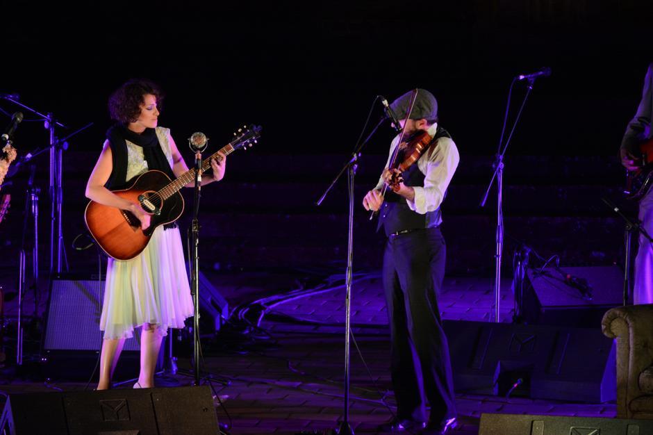 Gaby Moreno deleitó al público y compartió como siempre el crédito con cada uno de sus músicos. (Foto: Ximena Díaz/Soy502)