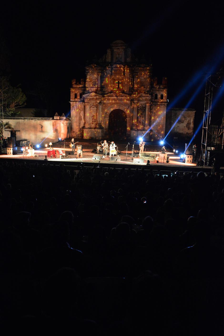 Un escenario mágico junto al gran desempeño de los artistas en el escenario.(Foto: Ximena Díaz/Soy502)