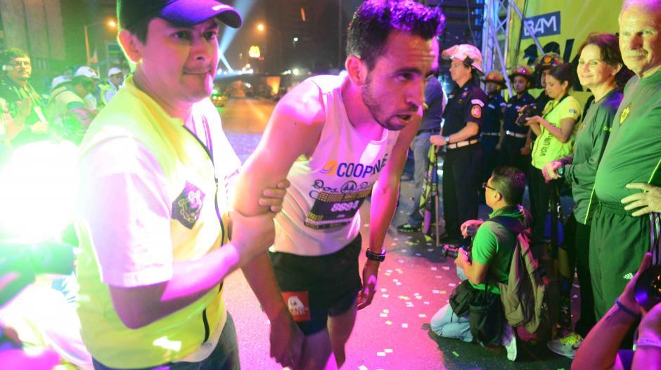 El cansancio en algunos de los participantes fue evidente al llegar a la meta. (Foto: Jesús Alfonso/Soy502)