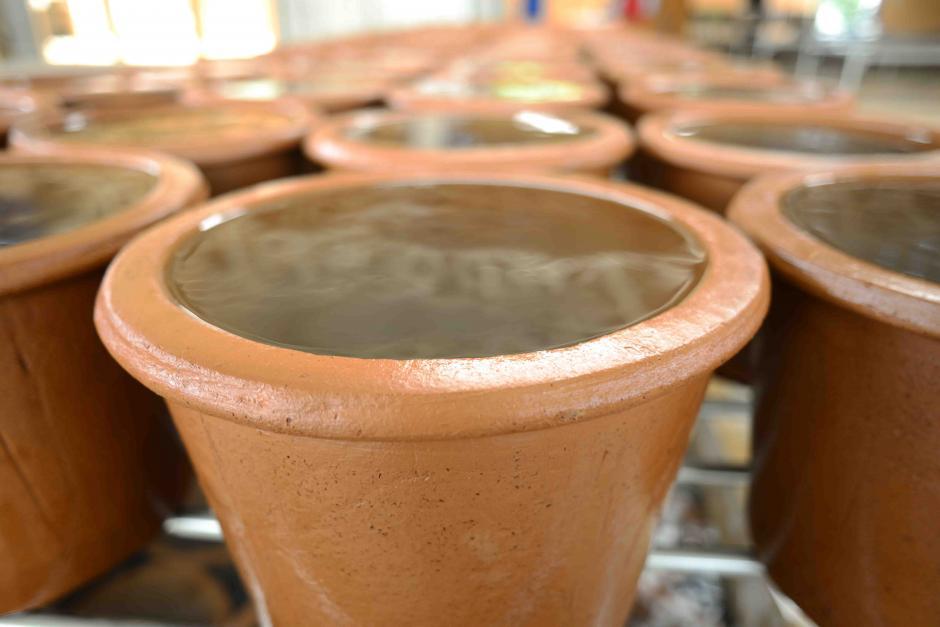 La unidades de barro pasan por varias pruebas antes de su comercialización. (Foto: Jesús Alfonso/Soy502)