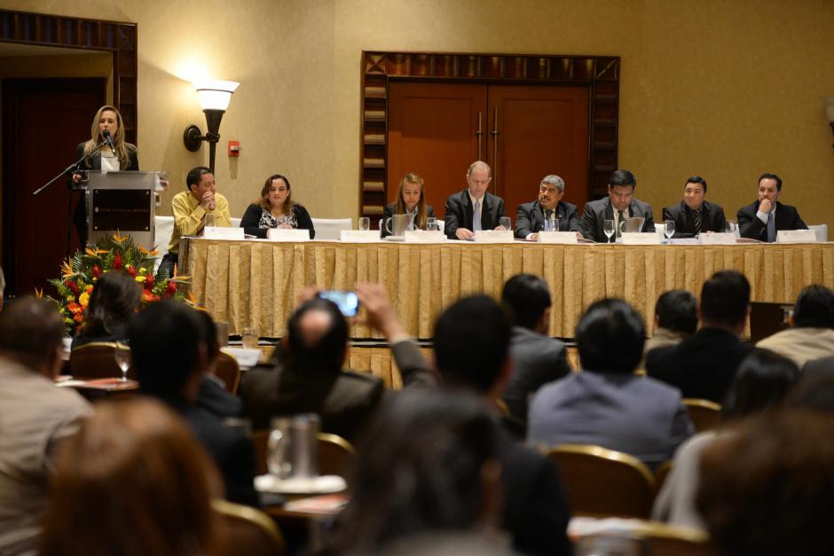 El informe del CoST analizó 20 proyectos. 13 son de municipalidades, 6 de la DGC y 1 del INACIF. (Foto: Wilder López/Soy502)