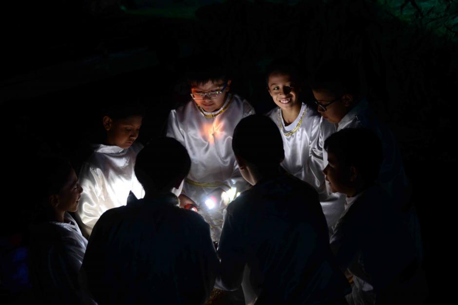 La iluminación es un elemento esencial durante la presentación (Foto: Jesús Alfonso/Soy502)
