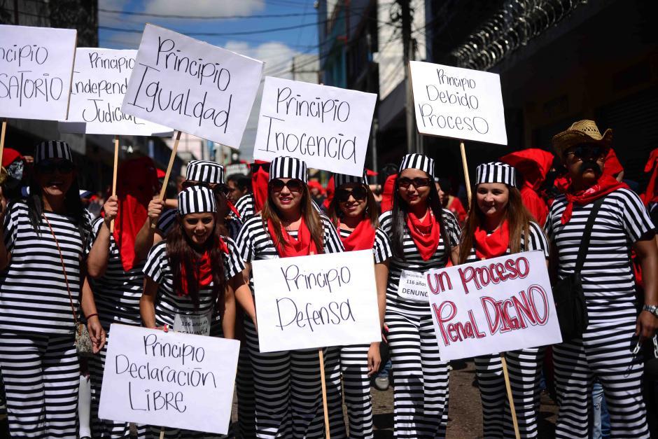 Este grupo exigía derechos para los privados de libertad.(Foto: Jesús Alfonso/Soy502)