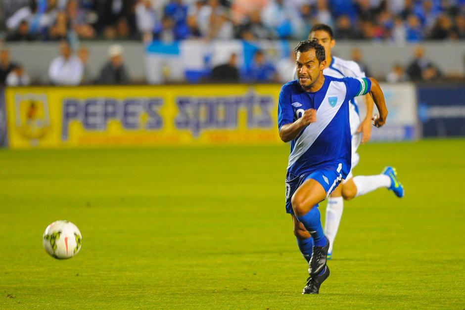 """Carlos Humberto el """"Pescado"""" Ruiz, de 36 años, es el jugador de Guatemala con más partidos en la Selección. Debutó en 1998 y desde esa fecha ha sido convocado a 124 juegos. (Foto: Archivo)"""