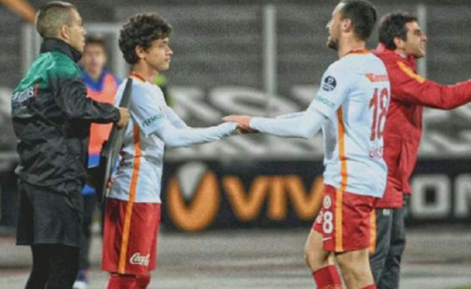 Mustafa Kapi debutó con 14 años en el Galatasaray. (Foto: Twitter)