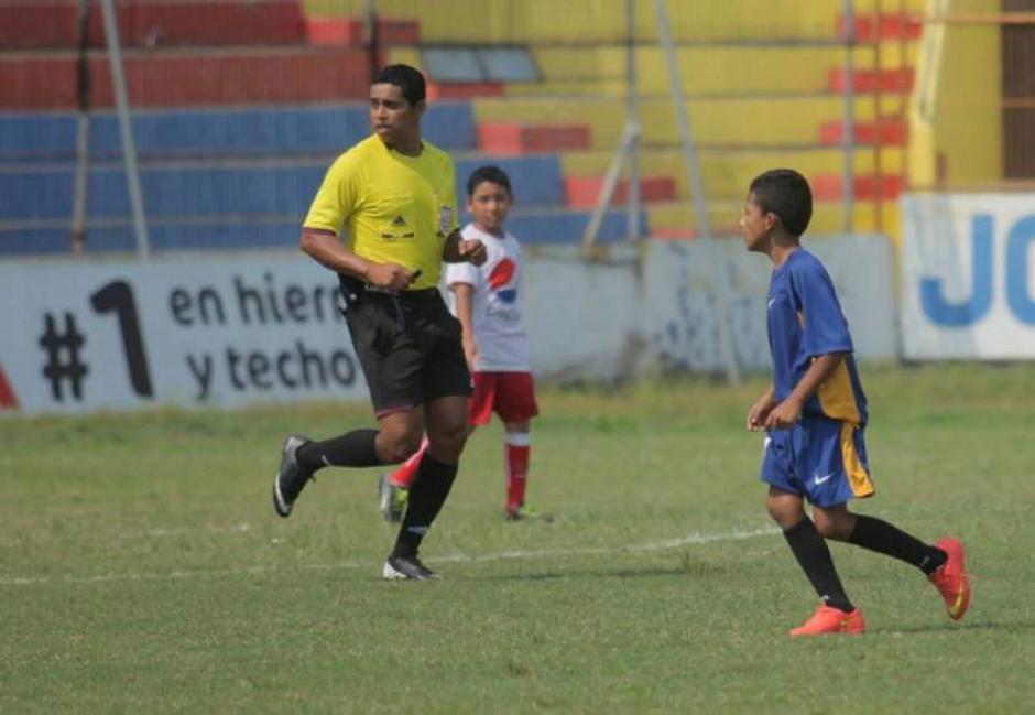 Gerson Almendárez árbitro hondureño capturado por presunta extorsión. (Foto: Twitter)