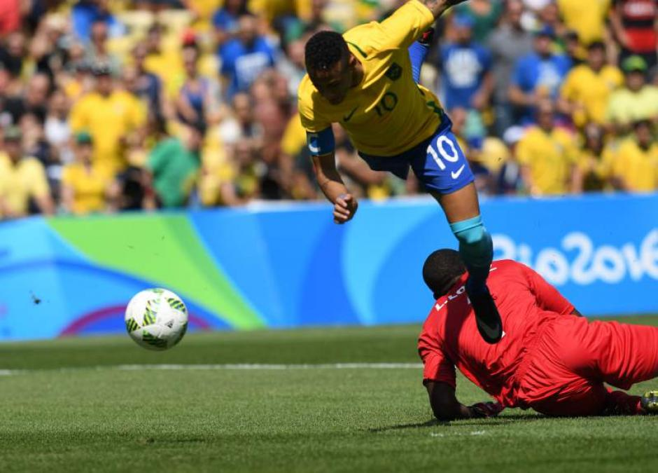 Neymar fue figura en el partido contra Honduras. (Foto: EFE)