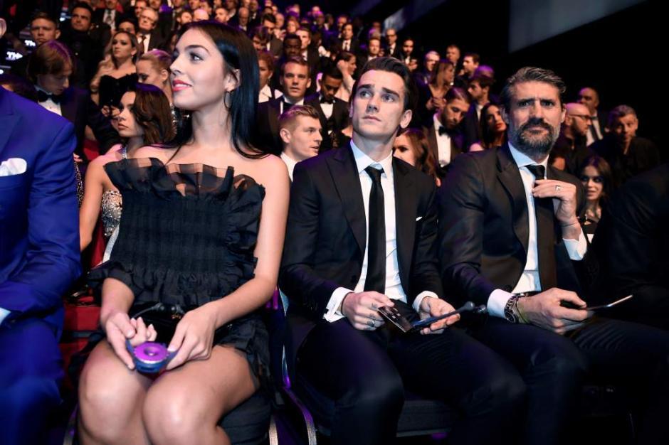 CR7 y su novia Georgina Rodríguez en los premios The Best. (Foto: Twitter)