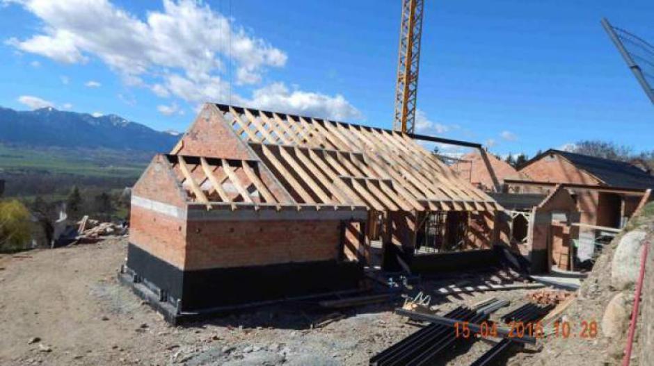Así fue como se inició la edificación de la casa de descanso de los Piqué. (Foto: Twitter)