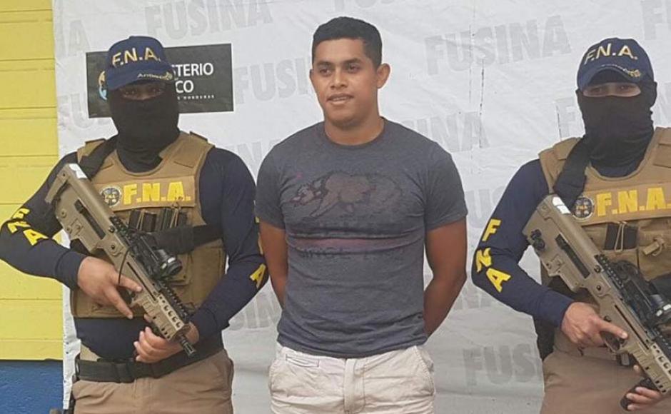 El árbitro de fútbol hondureño Gerson Almendárez fue capturado por la Policía por presunta extorsión. (Foto: Twitter)