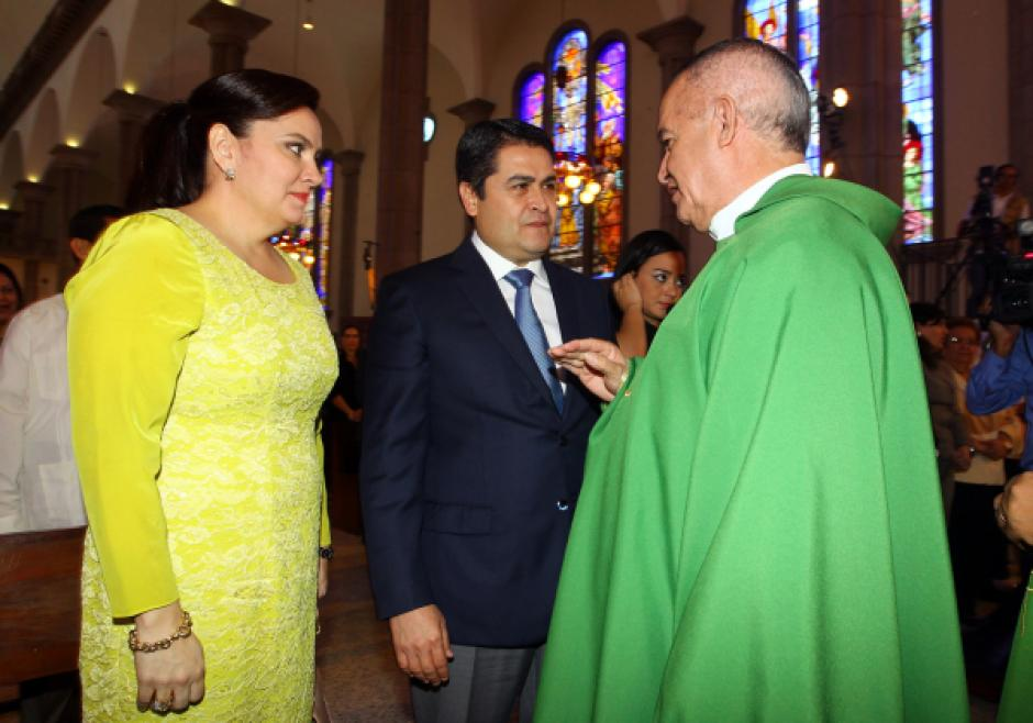 Hernández participó el domingo en servicios religiosos. Foto: LaPrensahn