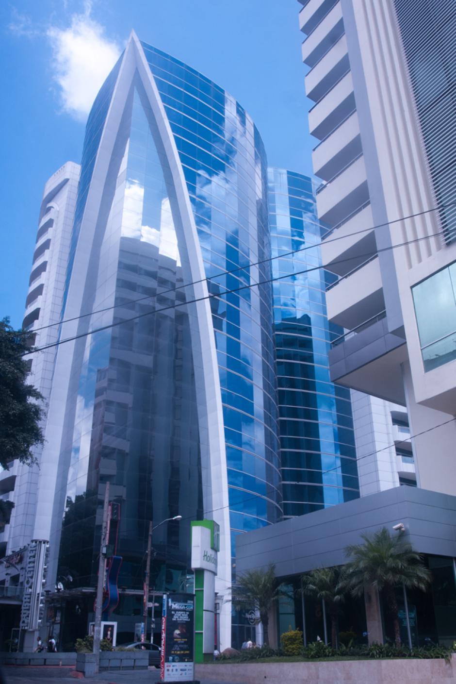 Oficinas del edificio Dubai Center, sirvieron de bodegas para guardar el efectivo que Roxana Baldetti recibía de los sobornos. (Foto: Alejandro Balán/Soy502)