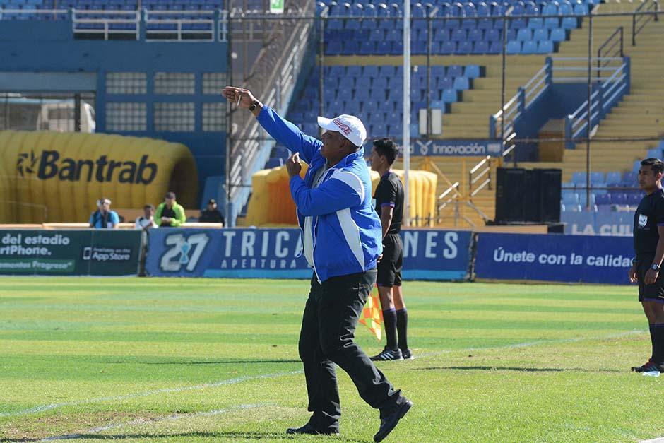 Duglas Zamora (exasistente de Walter Claverí) ganó su primer partido como técnico de Suchitepéquez, ni más ni menos que frente a Comunicaciones, en el Mateo Flores.(Foto: Nuestro Diario)