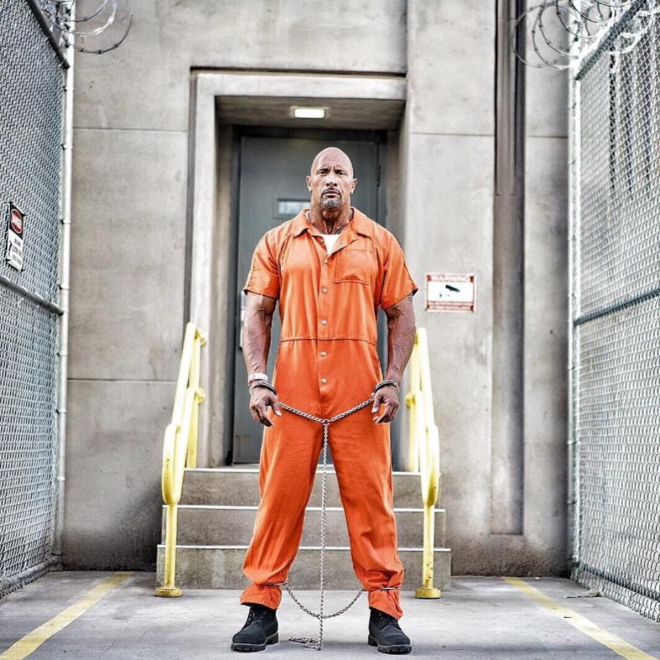 Dwayne Johnson interpreta a Hobbs, en la nueva cinta de la saga. (Foto: Instagram /Dwayne Johnson)