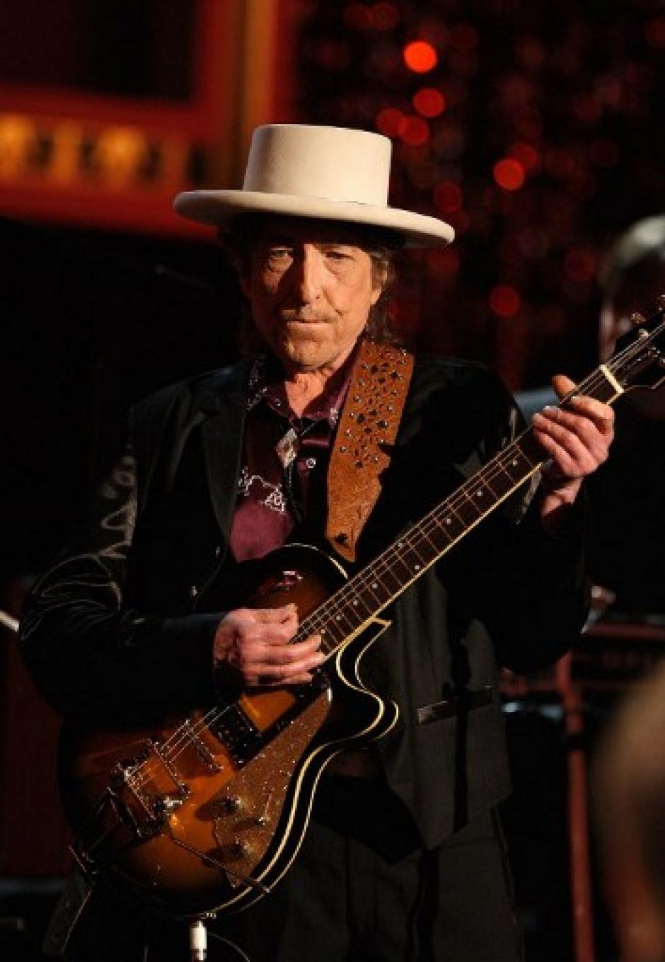Dylan tiene actualmente 75 años y continúa activo. (Foto: AFP)