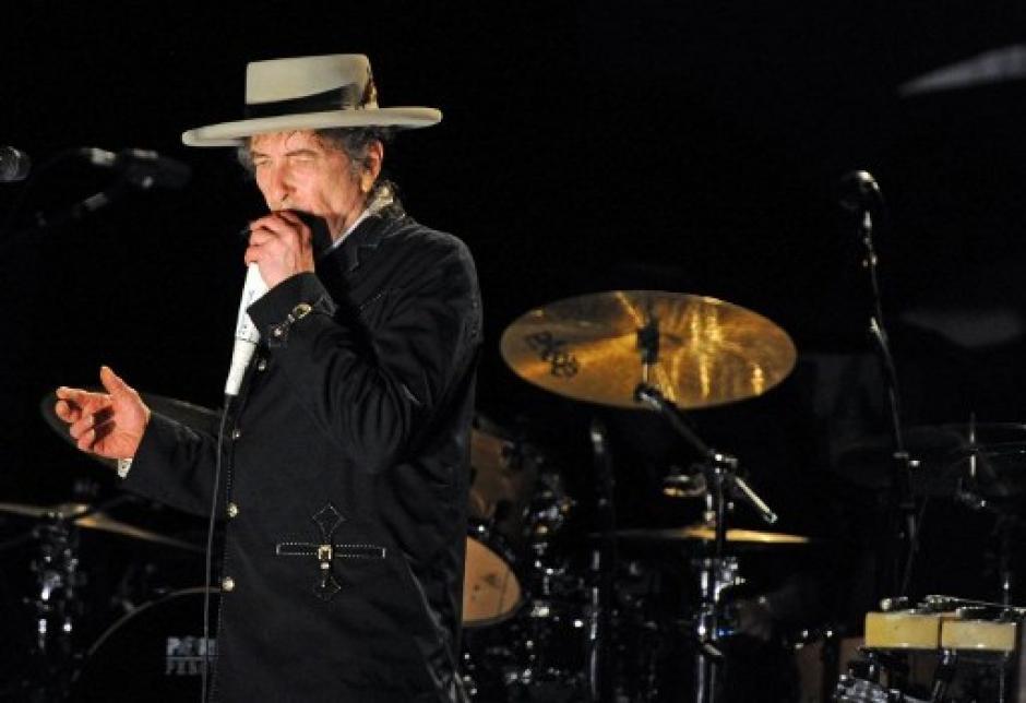 Bob Dylan se convirtió en el primer músico en recibir el Premio Nobel de Literatura. (Foto: AFP)