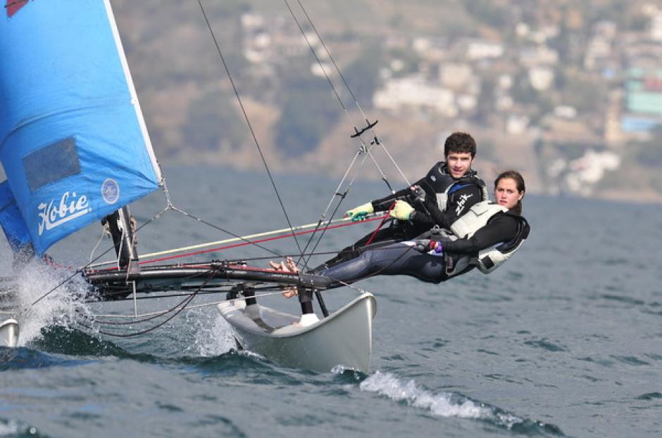 Los competidores disfrutaron de la experiencia y sobre su Hobie Cat compitieron en la Copa Maegli 2014. (Foto: Pedro Pablo Mijangos/Nuestro Diario)