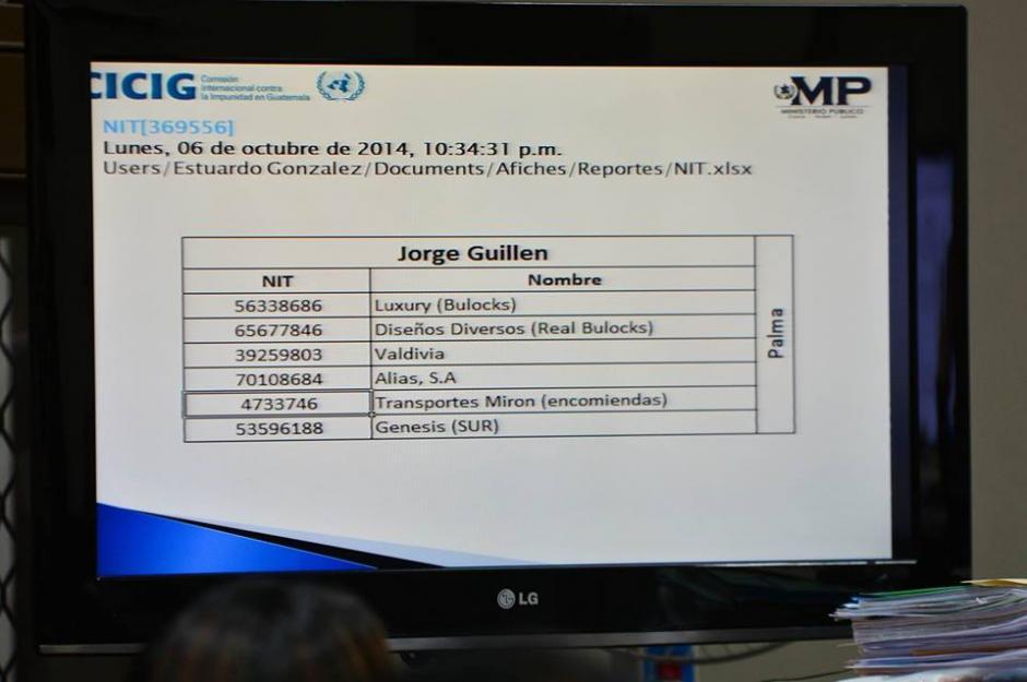 """Este es uno de los listados de las empresas que se beneficiaron de La Línea según computadora de """"Eco"""". (Foto: Wilder López/Soy502)"""