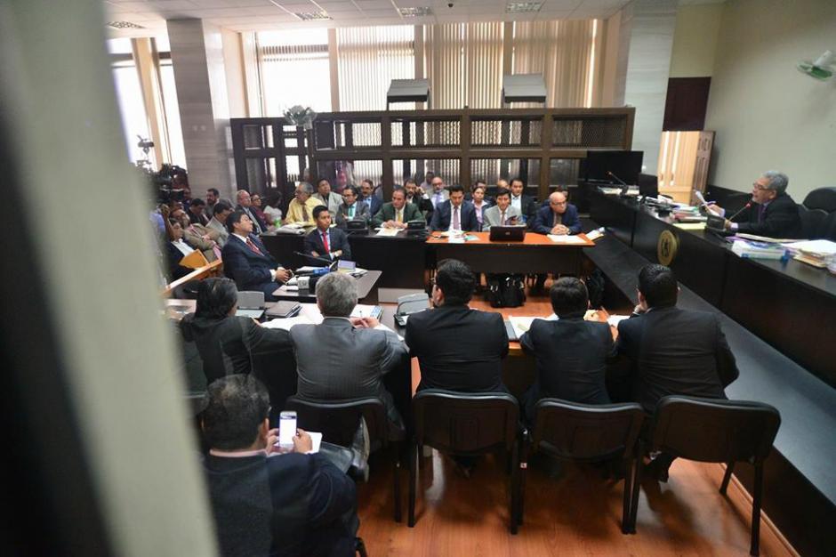 Otra panorámica del juzgado que sigue el caso de defraudación tributaria. (Foto: Wilder López/Soy502)