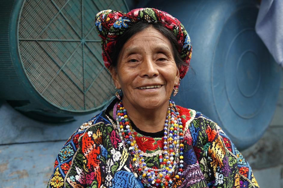 También dicen que el traje típico de los mayas aún es usado por varias guatemaltecas. (Foto: ecofashionlatam.com)