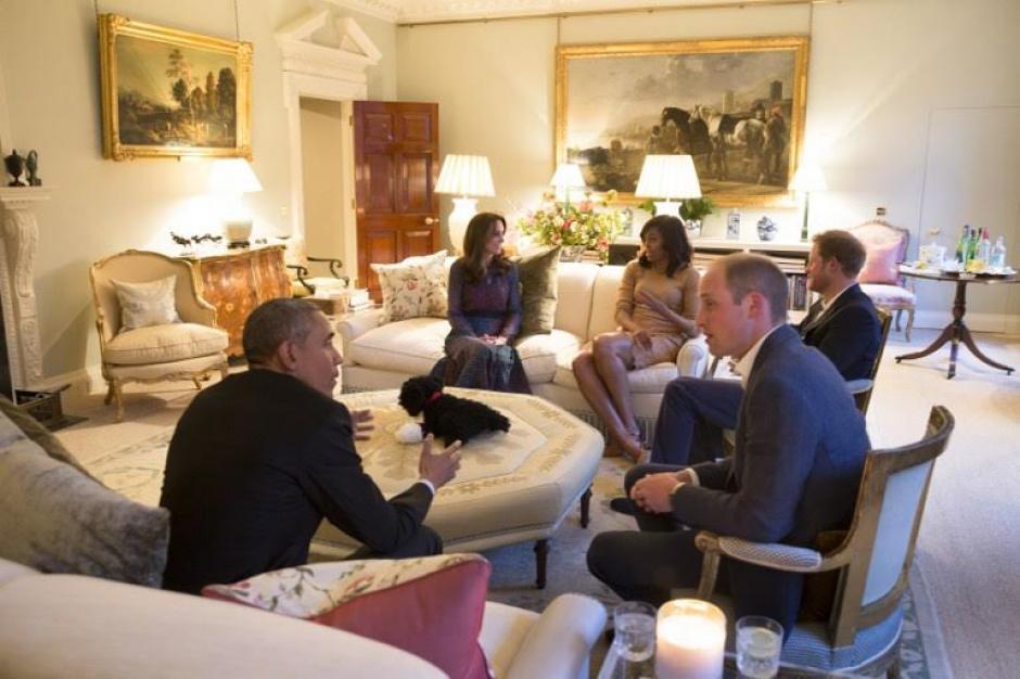 A mediados de abril ambas familias se reunieron para cenar en el Kensington Palace en Londres. (Foto: AFP)