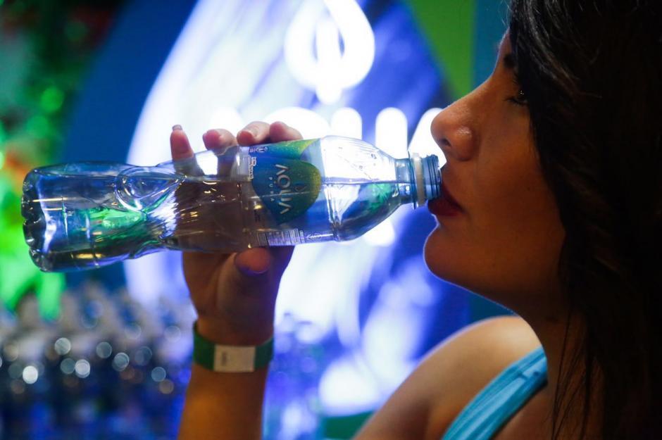 En todo el recorrido de la 21K habrá puntos de hidratación Aqua. (Foto: cortesía Aqua)