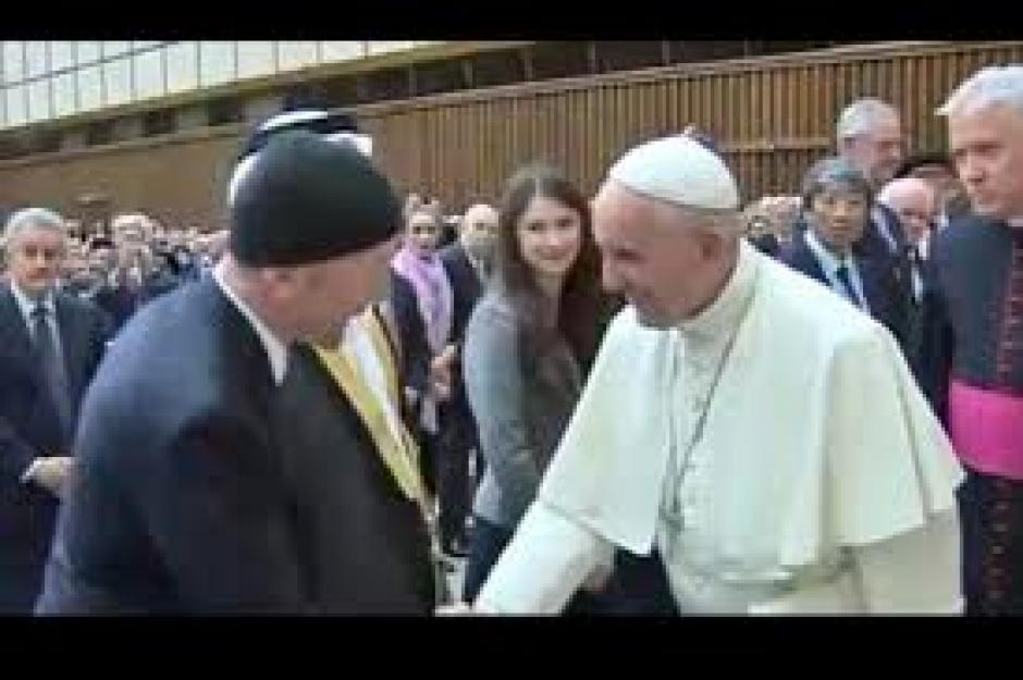 The Edge se encontró y saludó al Papa Francisco. (Foto: lacapital.com.ar)