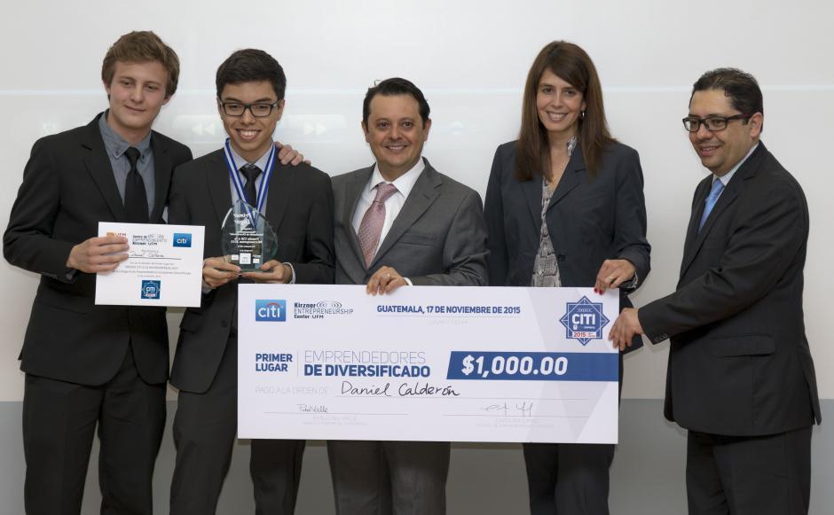 Daniel Calderón, ganador de la categoría Estudiantes de Diversificado. (Foto: Eddie Lara/Soy502)