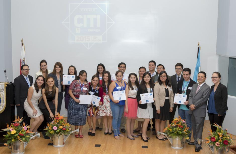 Todos los ganadores del Premio Citi a la Microempresa 2015. (Foto: Eddie Lara/Soy502)