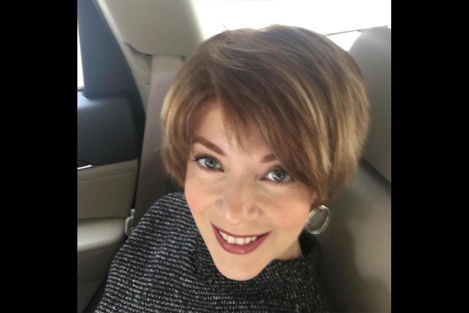 Aún con cabello corto, Edith optó por regresar al tono claro. (Foto: Instagram)